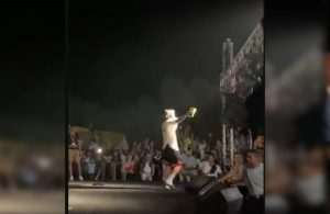 Rapçi Şehinşah konserde dinleyicilerine çay fırlattı