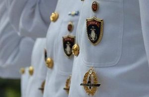 Emekli amirallerden AYM'ye başvuru