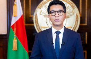 Madagaskar Cumhurbaşkanı tüm bakanları görevden aldı