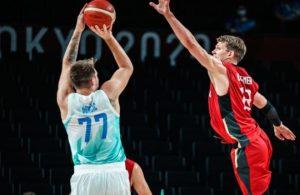 Almanya'yı yenen Slovenya ilk yarı finalist oldu