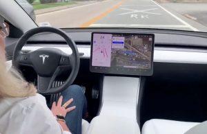 Tesla uygun fiyatlı otomobil için kolları sıvadı