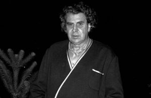Usta besteci Mikis Theodorakis hayatını kaybetti