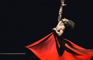 Bahçeli'nin hedef aldığı dansçı Ziya Azazi sessizliğini bozdu
