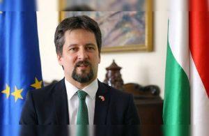 Twitter Macaristan Büyükelçisi'ni isyan ettirdi: Kimim ben?