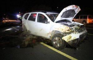 İki araç sürüye çarptı, 40 koyun öldü
