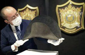 Napolyon Bonaparte'ın şapkası açık artırmaya çıkarılıyor