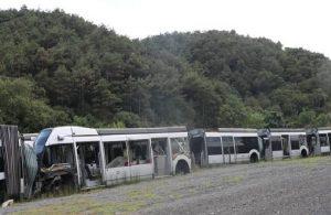 AKP 63 milyon Euroyu çöpe attı: Kullanılmayan metrobüsler çürüdü
