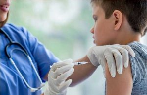 Slovakya'da Covid-19 aşı yaşı 5'e düşürüldü