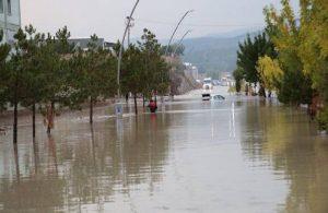 Kütahya'da sağanak etkili oldu: Su baskınları yaşandı