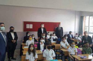 Kaymakamın okul ziyaretini AKP ilçe başkanıyla yapmasına tepki yağdı