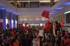 'Evsiz İşçiler Hareketi' Sao Paulo Borsası'nı bastı