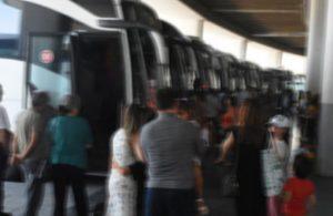 İzmir'de 18 yaşından küçüklere otobüs bileti satılması yasaklandı