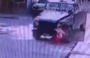 5 yaşındaki çocuk zırhlı aracın altında kaldı!