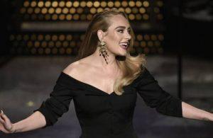 Adele 5 yıl sonra çıkardığı şarkısıyla dinlenme rekor kırdı